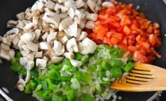 Мусака из грибов и чечевицы