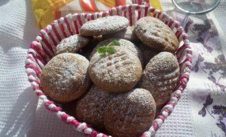 Постное печенье с халвой