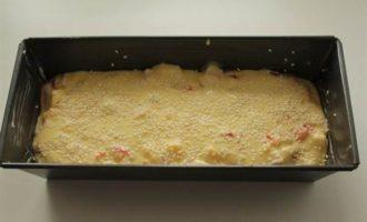 Кекс с варено-копченой куриной грудкой, сыром и сладким перцем
