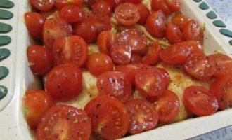 Креспелле с печенью, нутом и помидорами черри