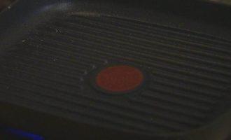 Гамбургеры с ягнятиной, сладким перцем и базиликом