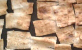 Цезарь с чипсами из лаваша