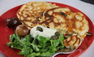 Оладьи с тыквой, козьим сыром и розмарином