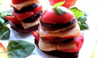 Овощные башенки с сыром