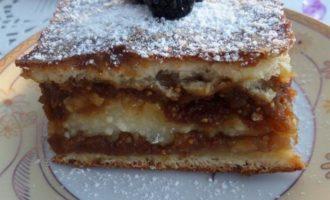 Пирог с творогом и инжиром