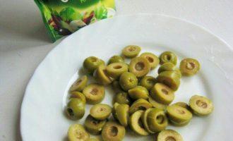 Куриное филе с оливками