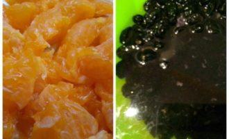 Творожный торт с фруктами, изюмом и орехами