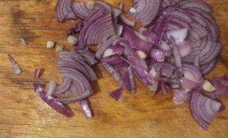 Салат из пекинской капусты, винограда и сыра