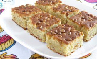 Кекс с кедровыми орешками
