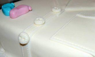 Бисквитный торт с вишней