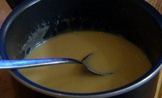 Йогуртовая панна котта с ягодным соусом