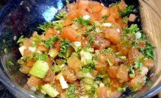 Финиковые куриные грудки с томатами и сельдереем