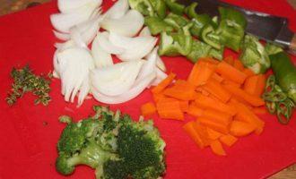 Кета с овощами