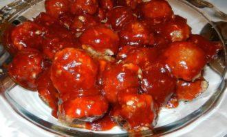 Фрикадельки в медово-чесночном соусе