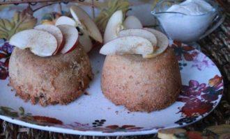 Яблочные шарлотки