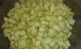 Тефтели на овощной подушке