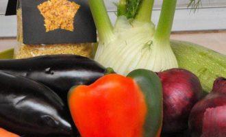 Булгур с печеными овощами и микст салат с ростками фасоли