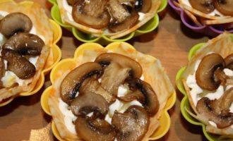 Сырная корзиночка с грибами