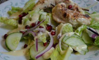 Куриный кебаб с салатом