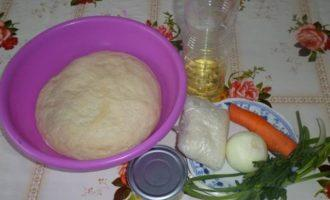 Пирог-рулет с тунцом
