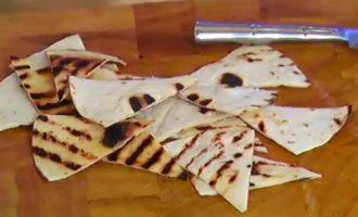 Тортильи с баклажанным соусом