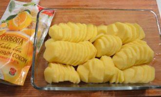 Картофель в сливочном соусе с чесноком