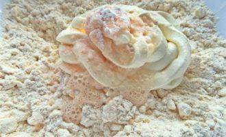 Мясные пирожки из хрустящего теста
