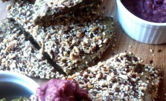 Хлебцы с разноцветным кремом
