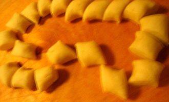 Сырные мини-пирожки с двумя начинками, экспресс-метод