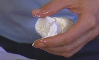 Теплый салат из баклажанов со сладким перцем и орехами