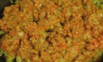 Картофель, фаршированный мясным рагу с фасолью