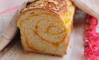 Сладкий хлеб с прослойкой