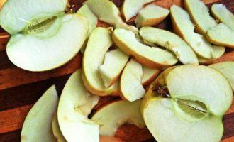 Капуста под яблоками