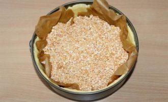 Пирог с манной крупой и брусникой