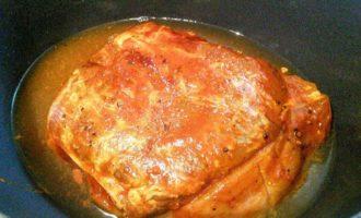 Запеченная свинина для бургеров