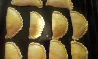 Слоеные пирожки с тыквой