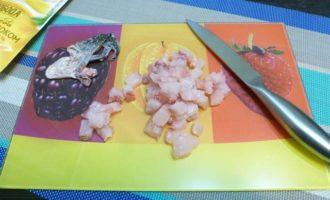 Тартар из муксуна с брусничным соусом