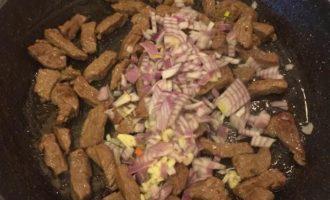 Нежная говядина с гречкой