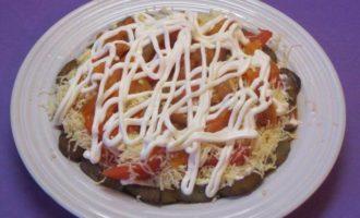 Салат из баклажанов с сыром