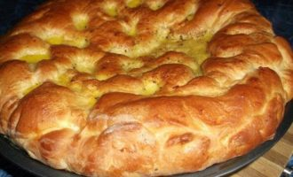 Бабушкин пирог с малиновым джемом
