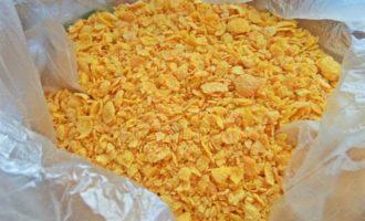 Закуска с курицей и сыром в тортилье