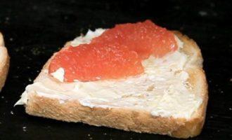 Бутерброд с грейпфрутом