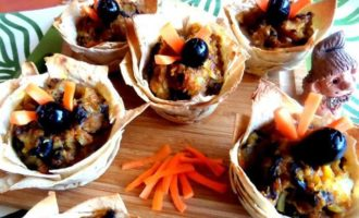 Грибы с картошкой в корзиночках из лаваша, постные