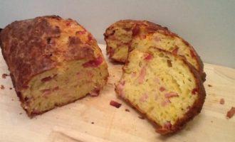 Хлеб с ветчиной и сыром