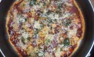 Пицца Ассорти и соус для пиццы