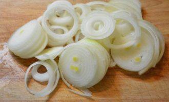 Мясо с картошкой под сыром