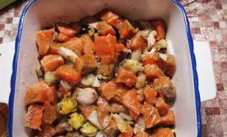 Рагу-чаудер из рыбы и морепродуктов