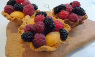 Корзинки с ягодами
