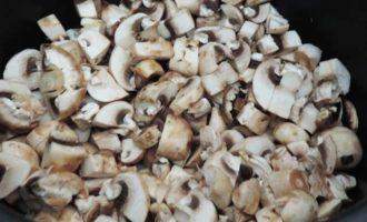 Гречка с грибами и кабачками