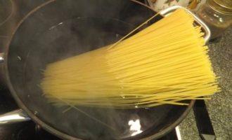 Спагеттини с грибным соусом